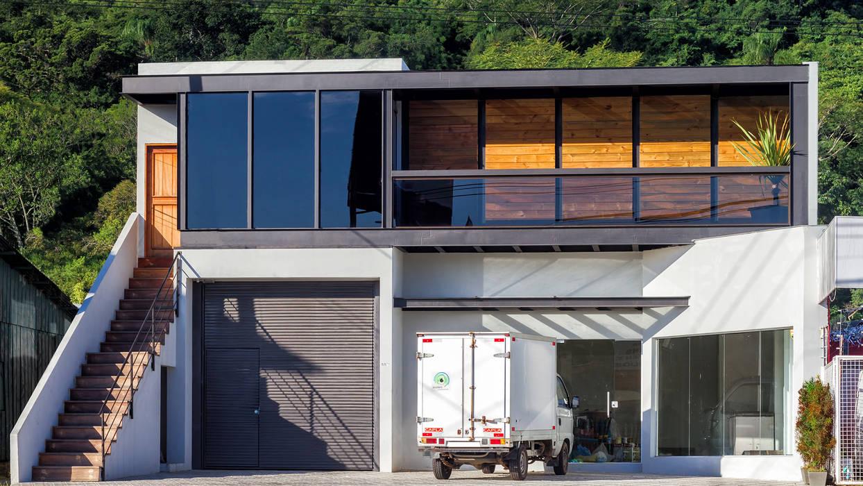 SEDE BIOSFERA: Casas  por AF Arquitetura