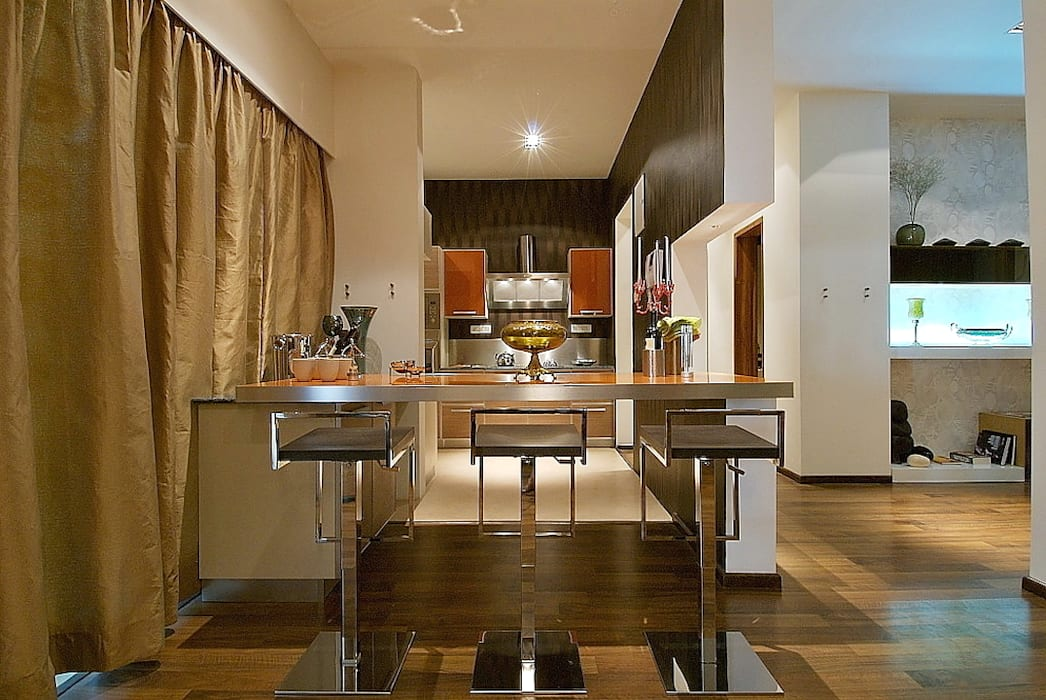 kitchen area:  Houses by shahen mistry architects