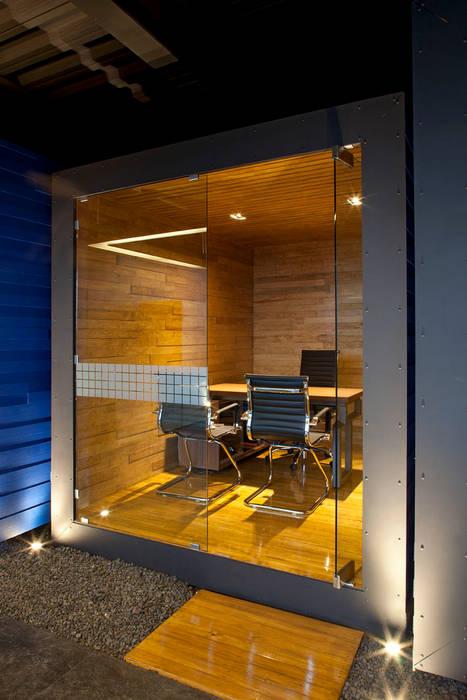 von Boutique de Arquitectura (Sonotectura + Refaccionaria)