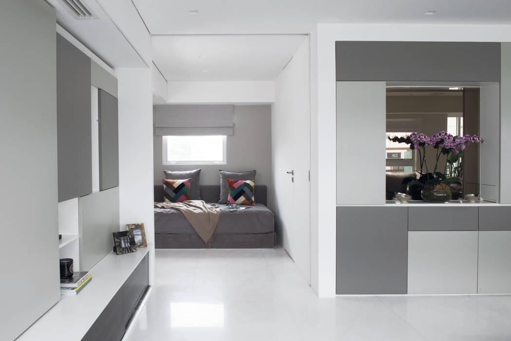 Shyam House Renovation Area-17 Architecture & Interiors Case moderne