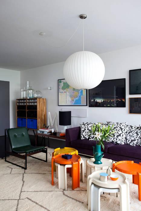 Salon de style  par Mauricio Arruda Design, Éclectique