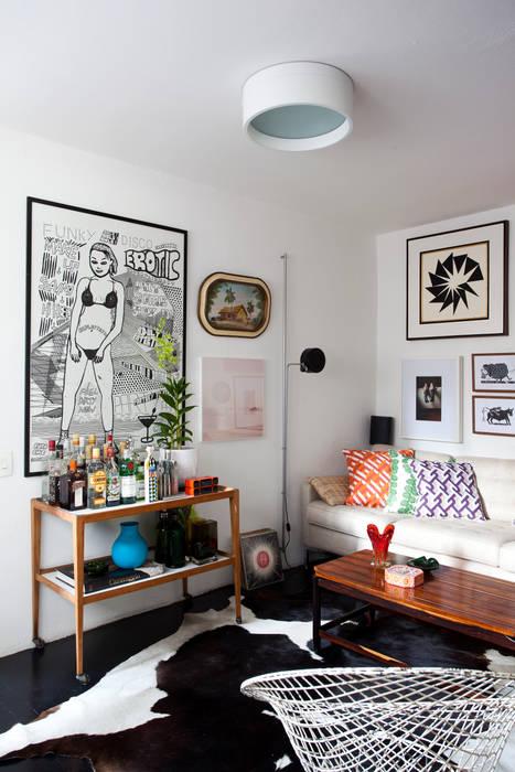 Ruang Keluarga oleh Mauricio Arruda Design, Eklektik