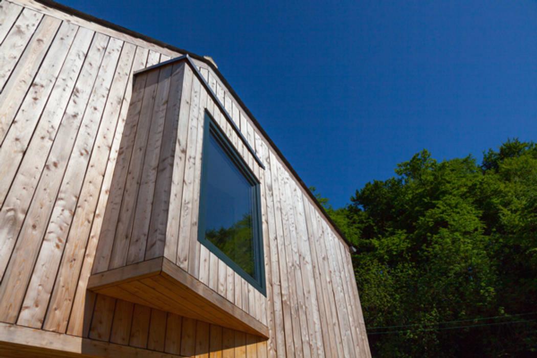 The Larch House: modern  by Millar+Howard Workshop, Modern