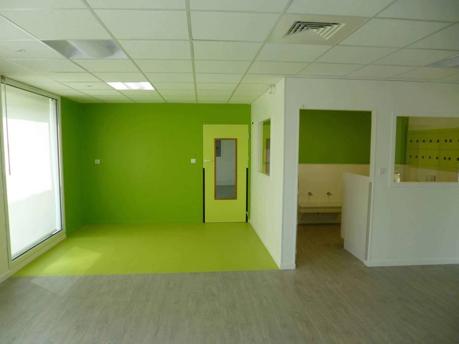 Crèche - intérieur 1 Ecoles modernes par DDB ARCHITECTURE Moderne