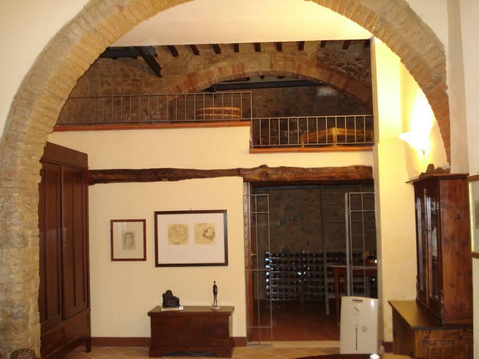 CANTINA L: Cantina in stile in stile Classico di Ilaria Panchetti Architetto