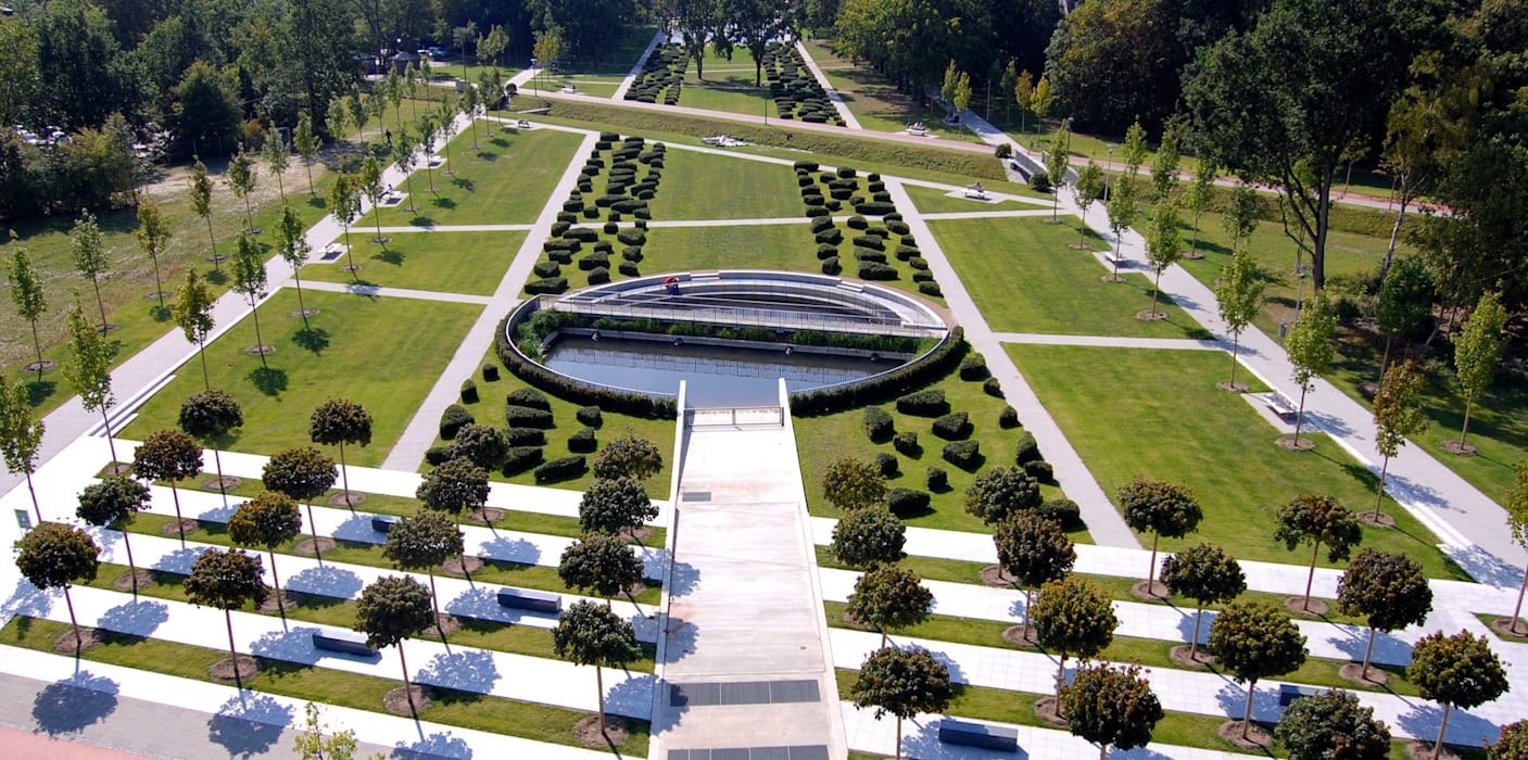 Garden by Kamel Louafi Landschaftsarchitekten