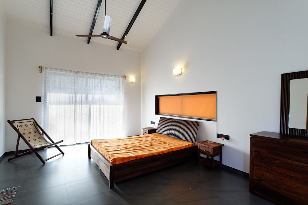 FARM HOUSE FOR MR. BAPAT BAGVE Rooms by ENVIRON PLANNERS