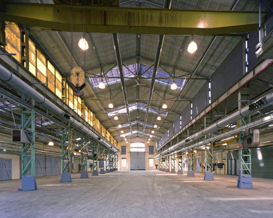 Interieur hal Industriële kantoor- & winkelruimten van Erik Knippers Architect Industrieel
