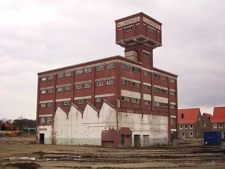 Voor de renovatie... Industriële exhibitieruimten van Erik Knippers Architect Industrieel