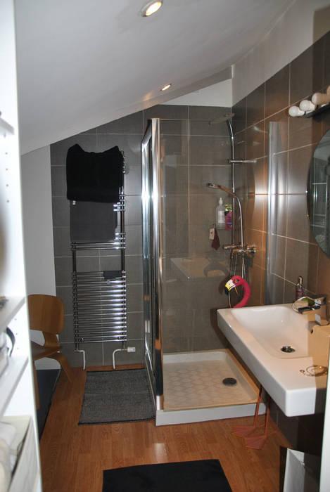 Coin douche: Chambre de style  par HOMEtimisation