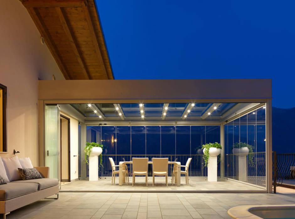Balcones y terrazas de estilo minimalista de homify Minimalista