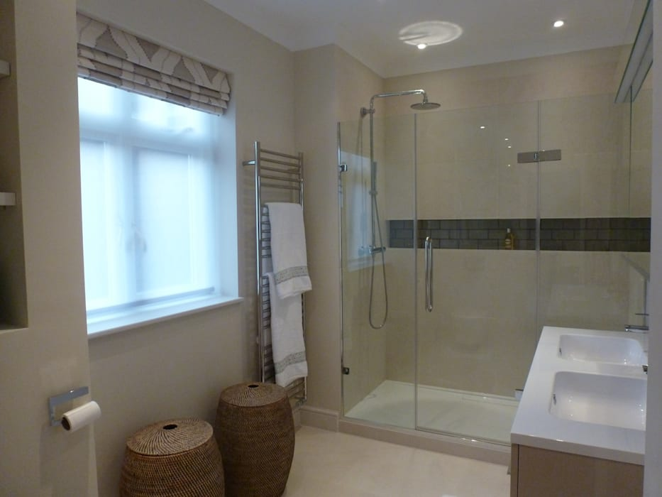 Bathgate Shower Room:  Bathroom by Rachel Angel Design