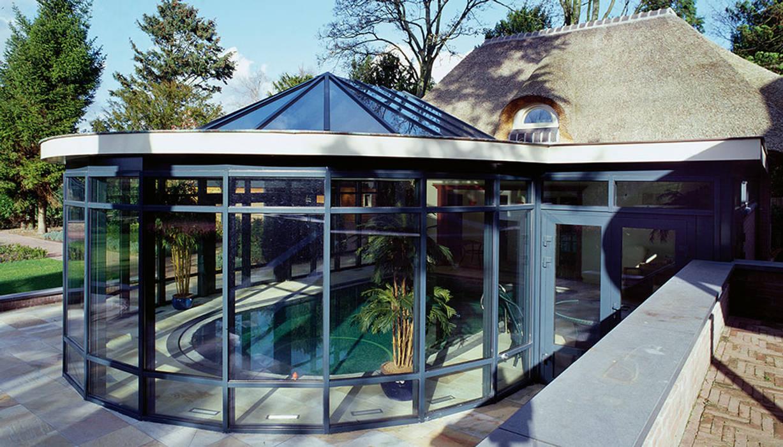Reynaers Modern conservatory by Framemaster Modern