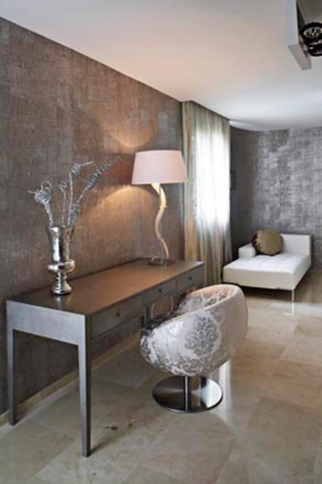 Interiorsmo casa Sitges: Pasillos y vestíbulos de estilo  de Isa de Luca