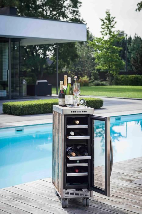 La Barrique Weinkühlschrank : industriell  von Skypak,Industrial