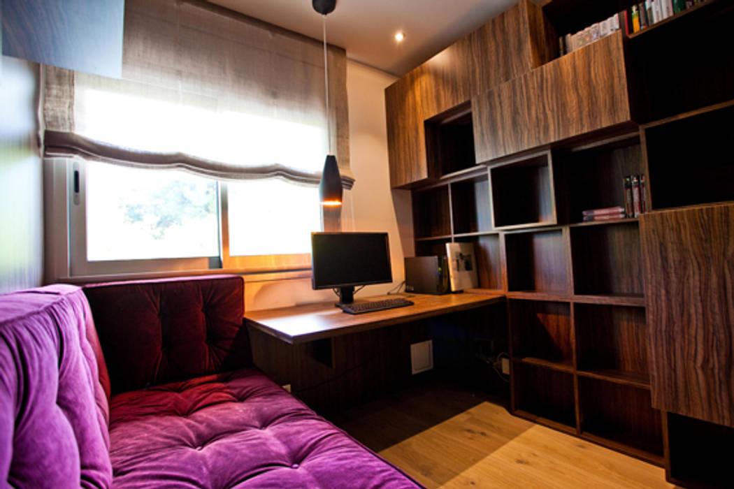 Despacho Casas de estilo moderno de Romina Gris Moderno