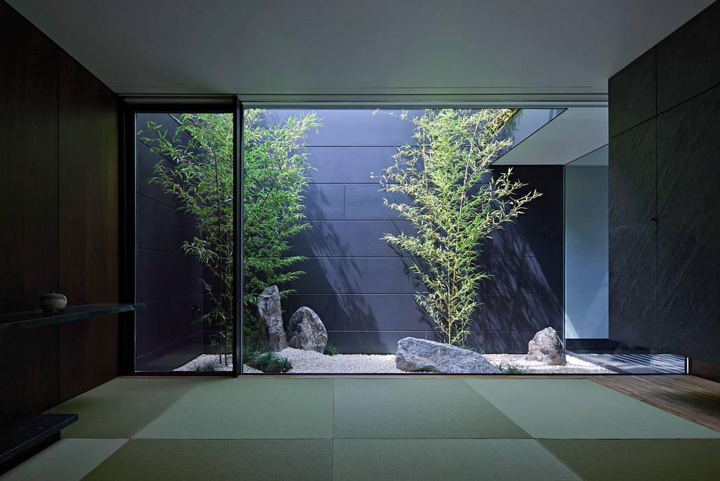 Isao Kato architects / 加藤功建築設計事務所 Rumah Modern