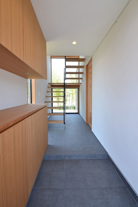 玄関 モダンスタイルの 玄関&廊下&階段 の TEKTON | テクトン建築設計事務所 モダン