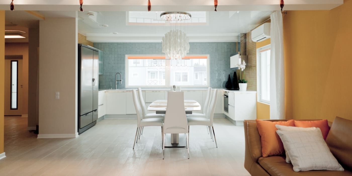 Dining room by Center of interior design, Eclectic