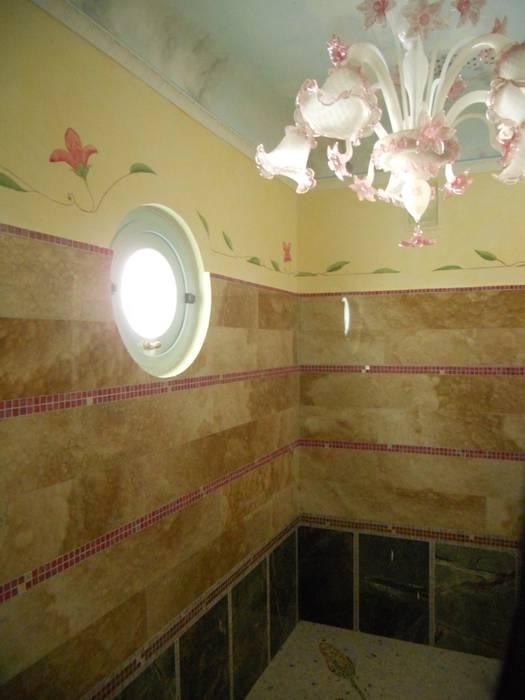 a bathroom: Bagno in stile in stile Minimalista di calmaggiore studio associato