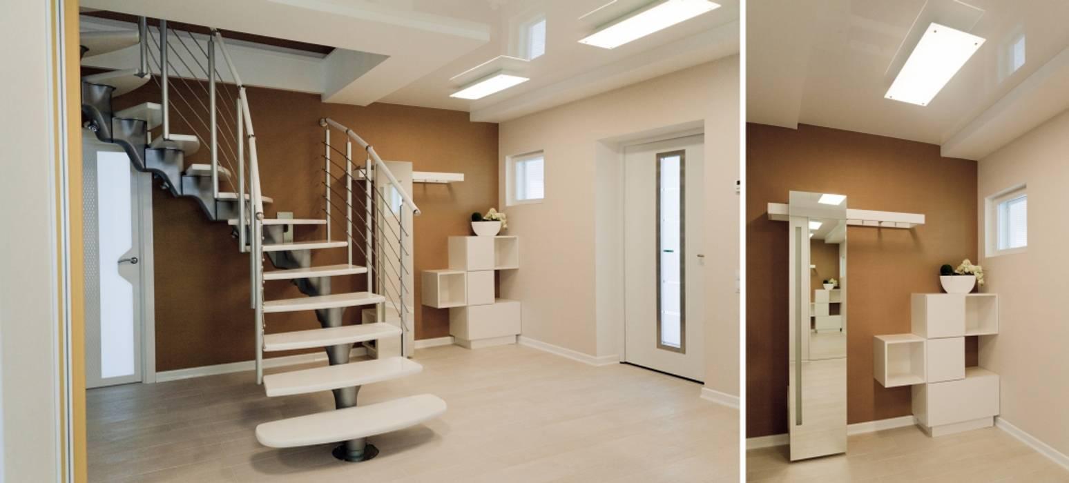 Индивидуальный дом : Коридор и прихожая в . Автор – Center of interior design, Эклектичный