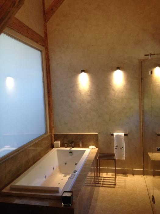 Chalet atika: salle de bains de style par raineri, moderne ...
