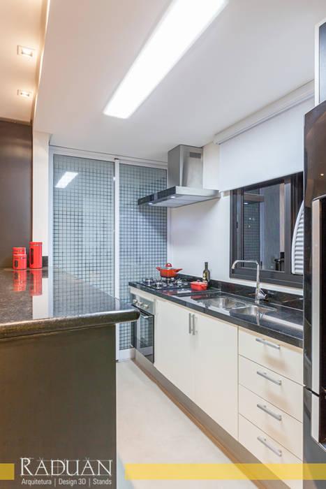 Duplex 80 m² - Vila Madalena Cozinhas modernas por Raduan Arquitetura e Interiores Moderno