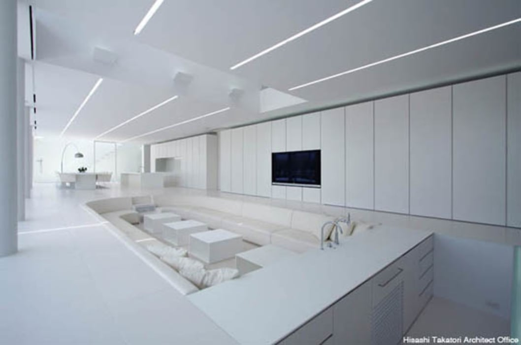 Livings de estilo minimalista de 鷹取久アーキテクトオフィス Minimalista