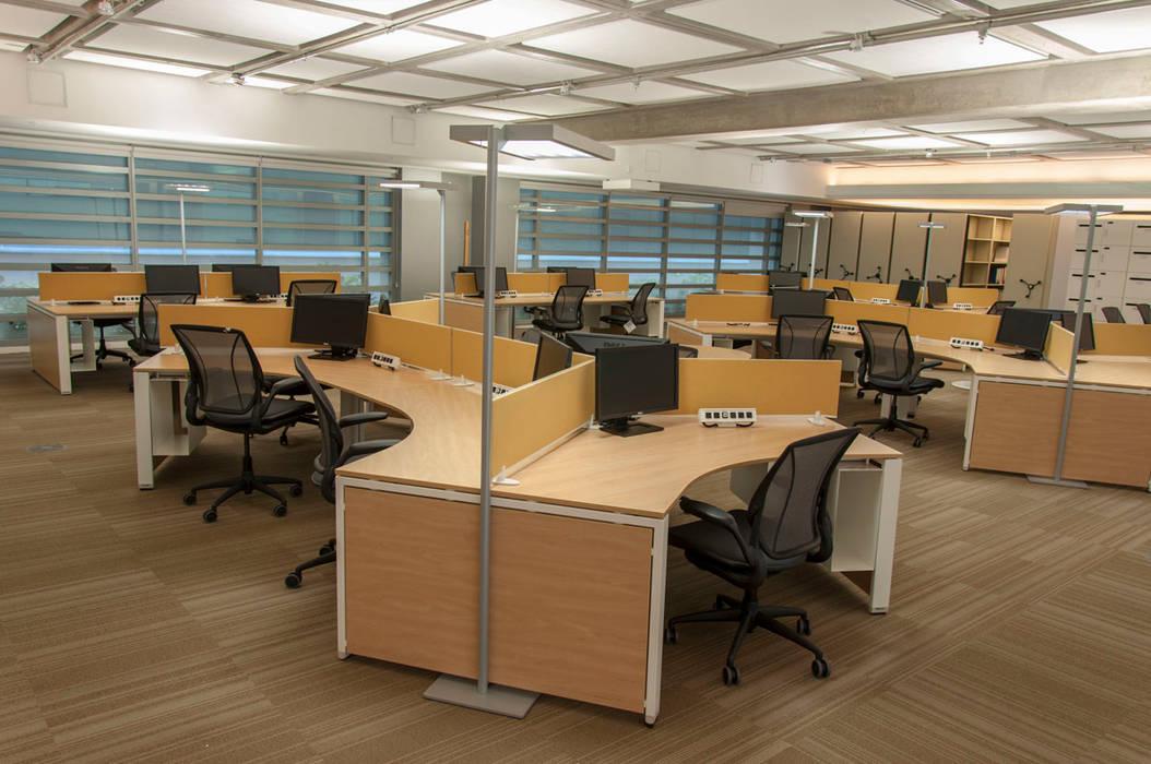 Corporativo Siemens Estudios y despachos modernos de Serrano Monjaraz Arquitectos Moderno