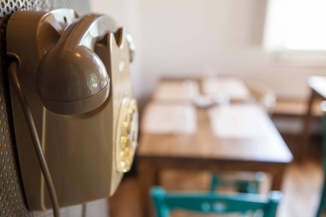dettaglio cabina: Gastronomia in stile  di Casaburi & Memoli Architetti