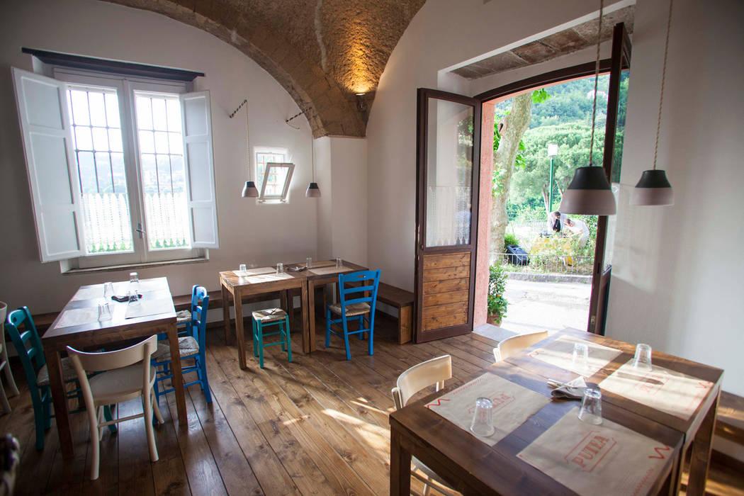 sala interna Gastronomia in stile rurale di Casaburi & Memoli Architetti Rurale