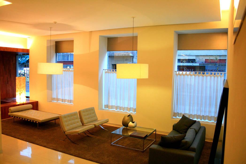 Living room by Serrano Monjaraz Arquitectos