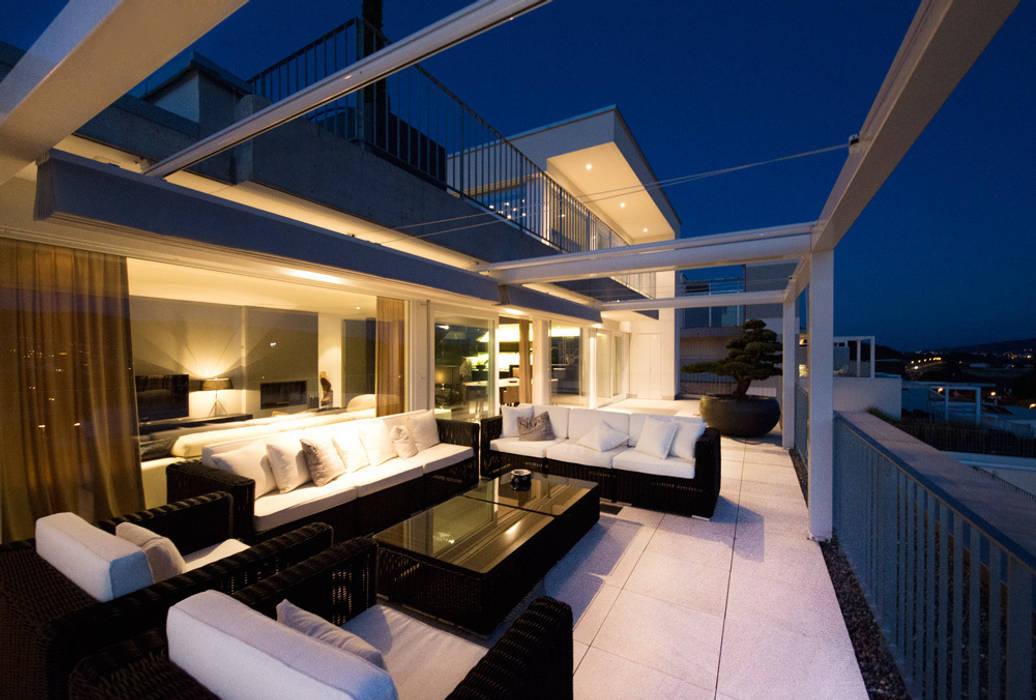 Terrassenhaus Dottikon Moderne Häuser von Martinuzzi Interiors Interior Design & Renovations Modern