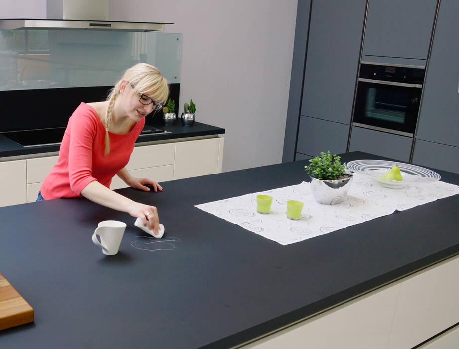 Arbeitsplatte Neue Oberfläche bei der neuen arbeitsplatte von schmidt küchen werden kratzer