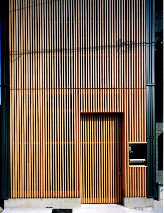 間口4mの狭小地に建つ9坪の家 家 の 真島元之建築設計事務所 Majima Motoyuki Architect