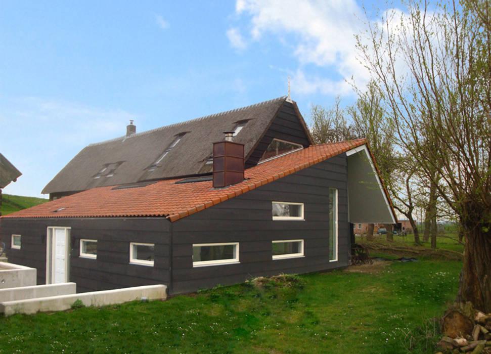woonboerderij Moderne muren & vloeren van No Label Modern