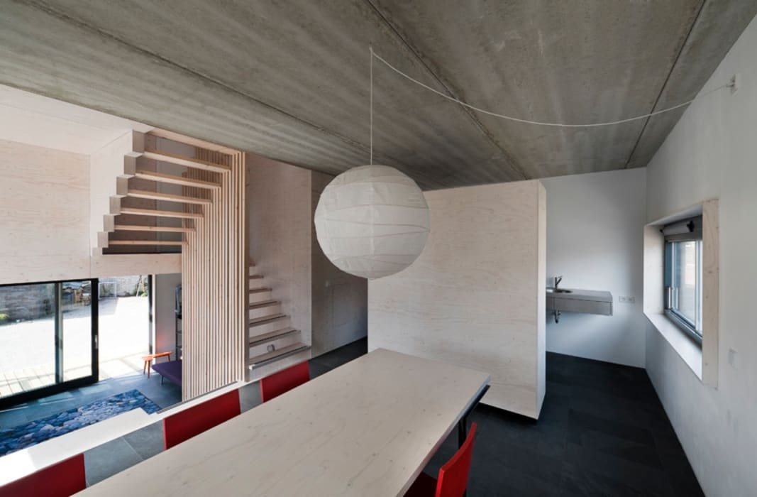 Modern living room by groenesteijn architecten Modern