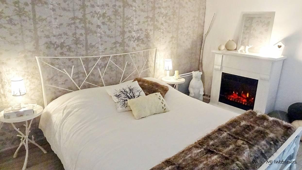 La chambre à coucher : Maisons de style  par MJ Intérieurs