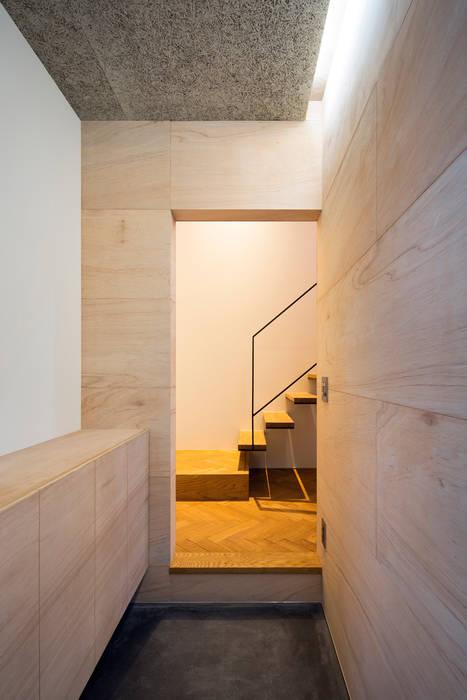 玄関 ミニマルスタイルの 玄関&廊下&階段 の 川添純一郎建築設計事務所 ミニマル