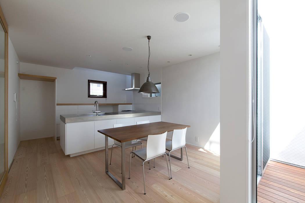 都市型アウトドアハウス オリジナルデザインの リビング の ラブデザインホームズ/LOVE DESIGN HOMES オリジナル