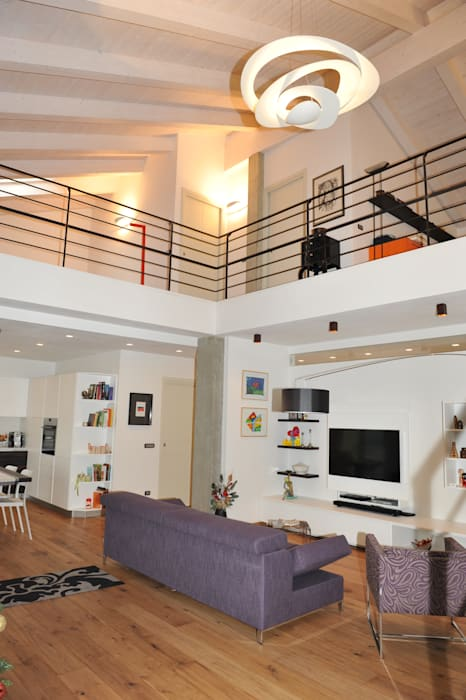 Soggiorno Living _ Soppalco: Case in stile  di ENRICO MARCHIARO _ eMsign Studio _ Architettura_Interior Design