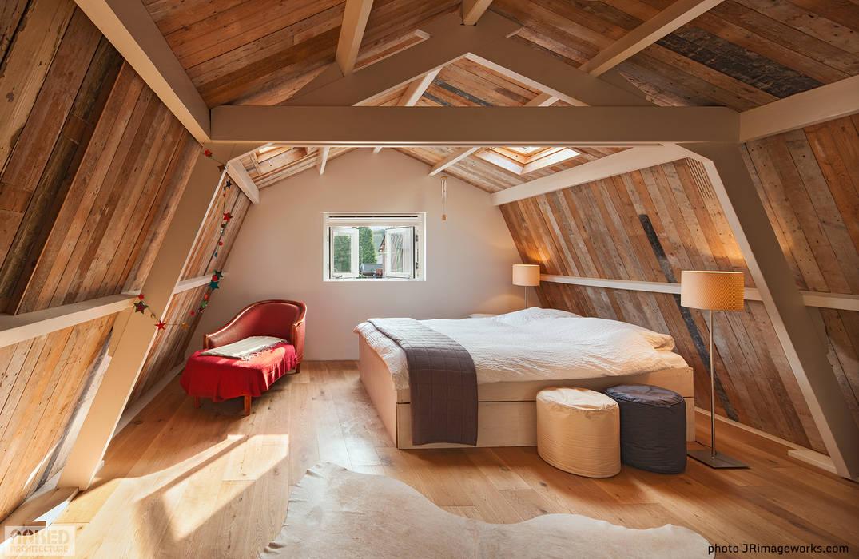 Interieur boven:  Huizen door Naked Architecture