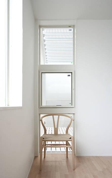 インナーテラスのある明るい住宅 ラブデザインホームズ/LOVE DESIGN HOMES オリジナルデザインの ダイニング