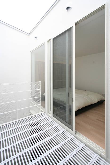 インナーテラスのある明るい住宅: ラブデザインホームズ/LOVE DESIGN HOMESが手掛けたテラス・ベランダです。
