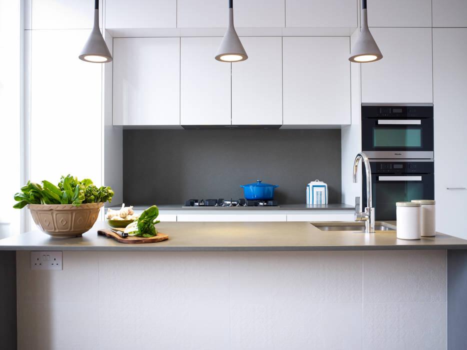 Cadogan Place:  Kitchen by DO Design Studio