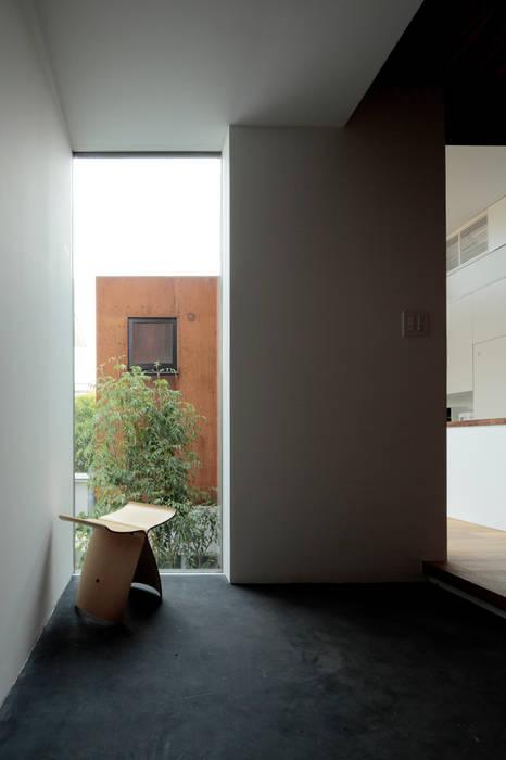 House in Sakura Rooms by 石井秀樹建築設計事務所