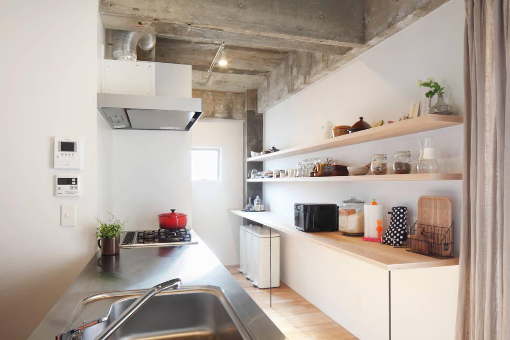 中京区の家/キッチン モダンな キッチン の 一級建築士事務所 こより モダン