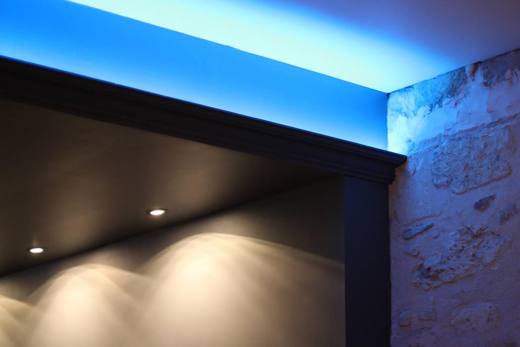 Lumière: Murs de style  par BIENSÜR Architecture