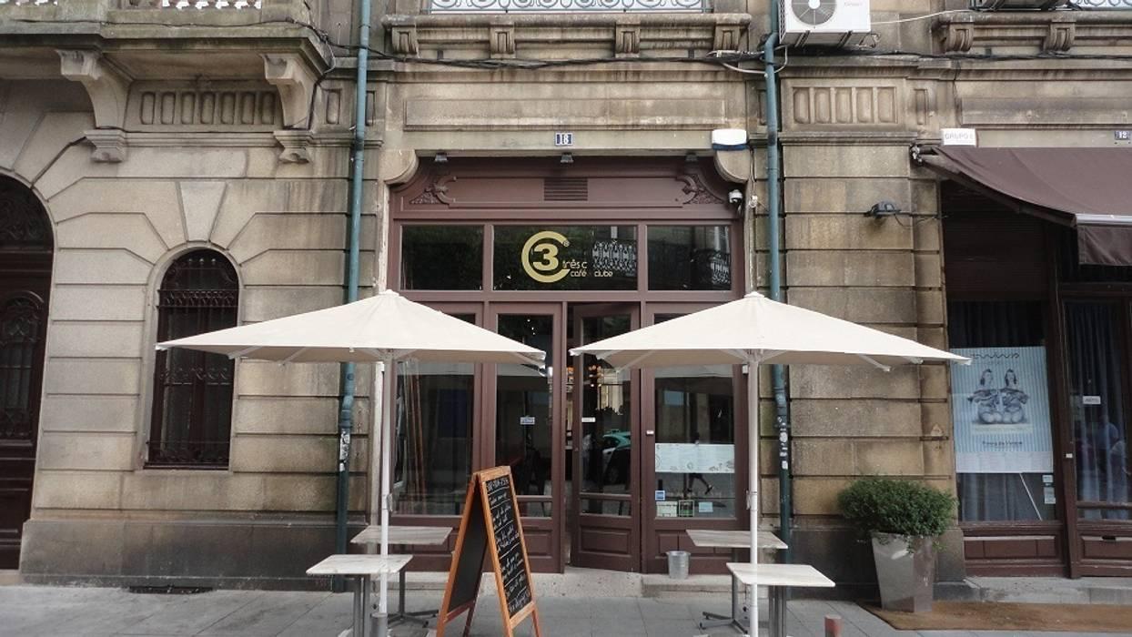 Clube 3C - Clérigus Café Clube Ausgefallene Gastronomie von GAAPE - ARQUITECTURA, PLANEAMENTO E ENGENHARIA, LDA Ausgefallen