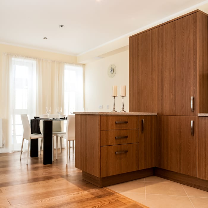 Kitchen/ Dining Modern dining room by Lujansphotography Modern